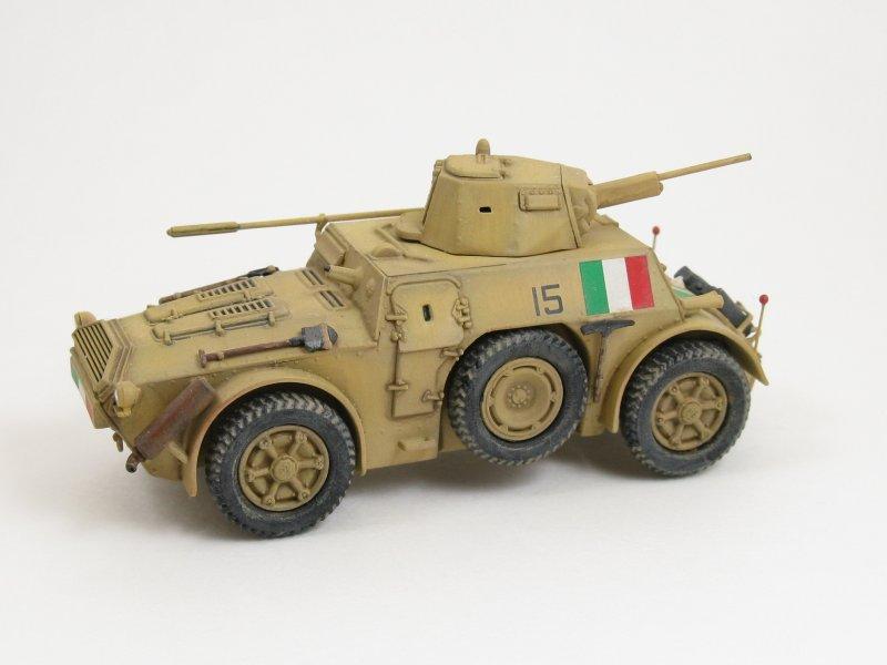 Italeri Autoblinda AB41 AB43 Kit No 7051 7052