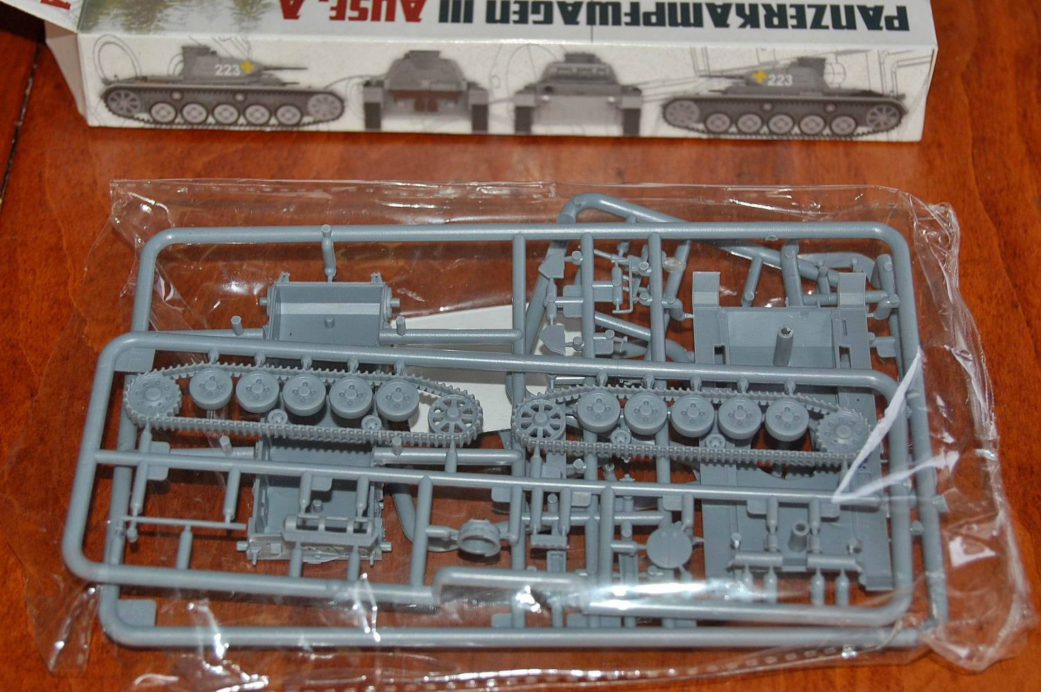 WORLD AT WAR MAGAZINE AND MODEL WAW001 Panzer III Ausf A